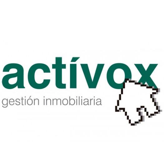 Comercial de la Agencia Inmobiliaria Actívox. Contacto