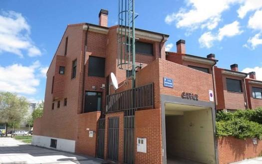 Fantástico Adosado en venta ubicado en zona Universidades, Burgos