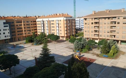 Piso en alquiler zona Universidades, con garaje y trastero, Burgos