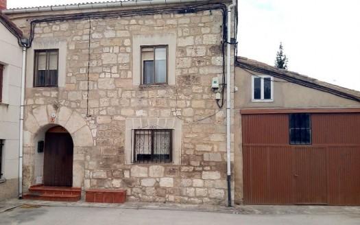 Casa en venta con cochera en Quintanaortuño, en Burgos